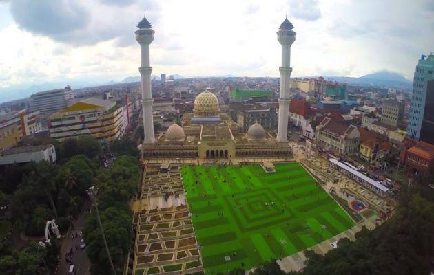 Sejarah Singkat dan Alamat Lokasi Masjid Raya Bandung + Hotel Terdekat 4