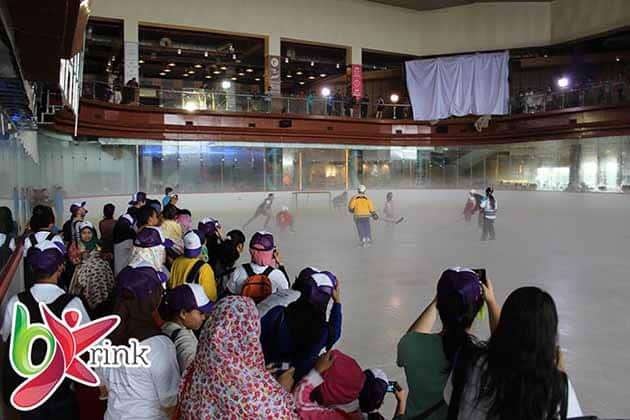 Ice Skating BX Rink Bintaro 15
