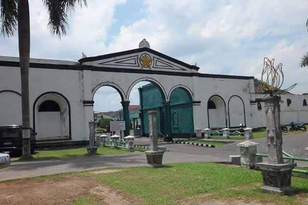Wisata Benteng Kuto Besak Palembang, Harga Tiket Masuk + Peta Lokasi 3