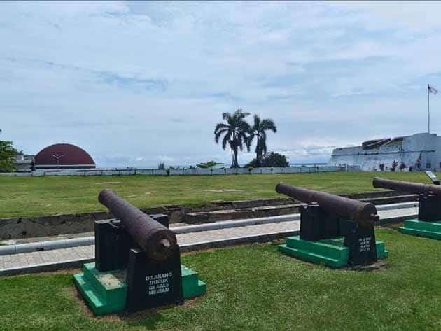 Sejarah Benteng Marlborough Bengkulu, Harga Tiket Masuk + Peta Lokasi 15