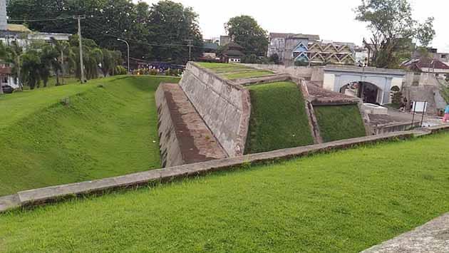 Sejarah Benteng Marlborough Bengkulu, Harga Tiket Masuk + Peta Lokasi 17