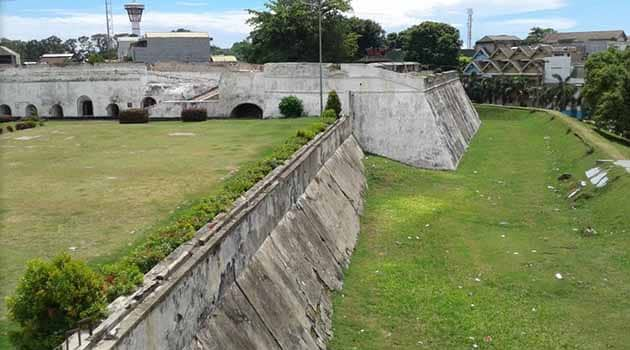 Sejarah Benteng Marlborough Bengkulu, Harga Tiket Masuk + Peta Lokasi 18