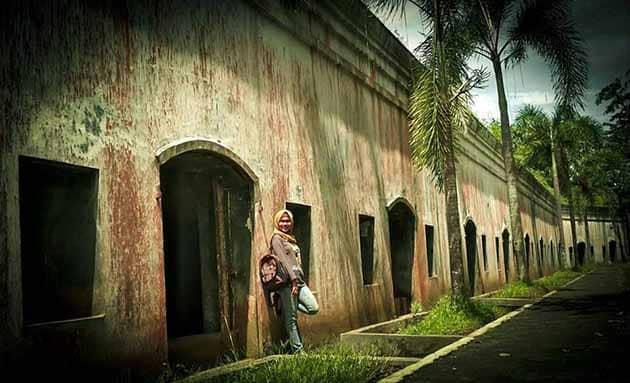 Benteng Pendem Dinding Megah