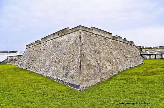 Sejarah Benteng Marlborough Bengkulu, Harga Tiket Masuk + Peta Lokasi 11