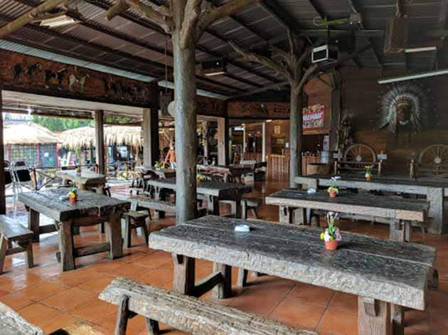De'Ranch Lembang Makan
