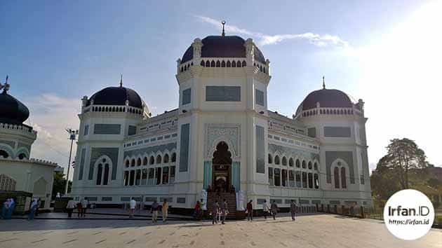 Sejarah dan Keunikan Masjid Raya Medan, Peta Lokasi + Hotel Terdekat 13