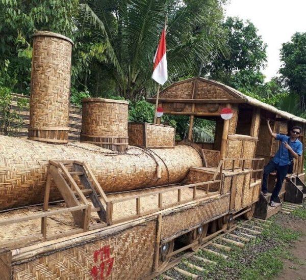 Kubu-Hobbit-Pendawa-Bali-Bl