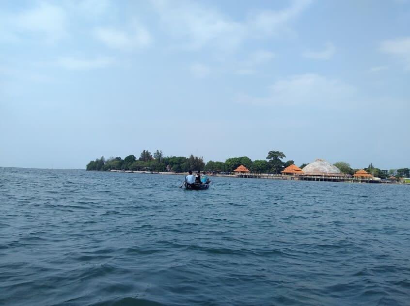 Kura-Kura-Ocean-Park-Laut