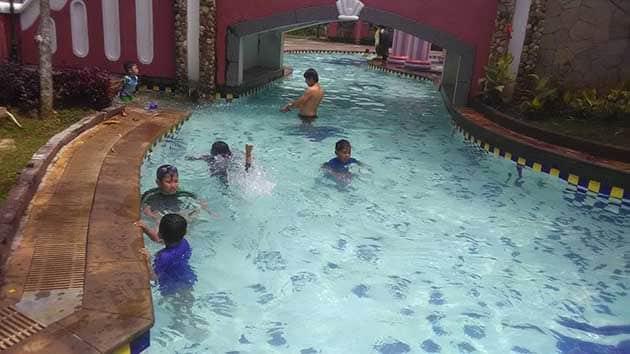 Marcopolo Waterpark Bogor Kolam Arus