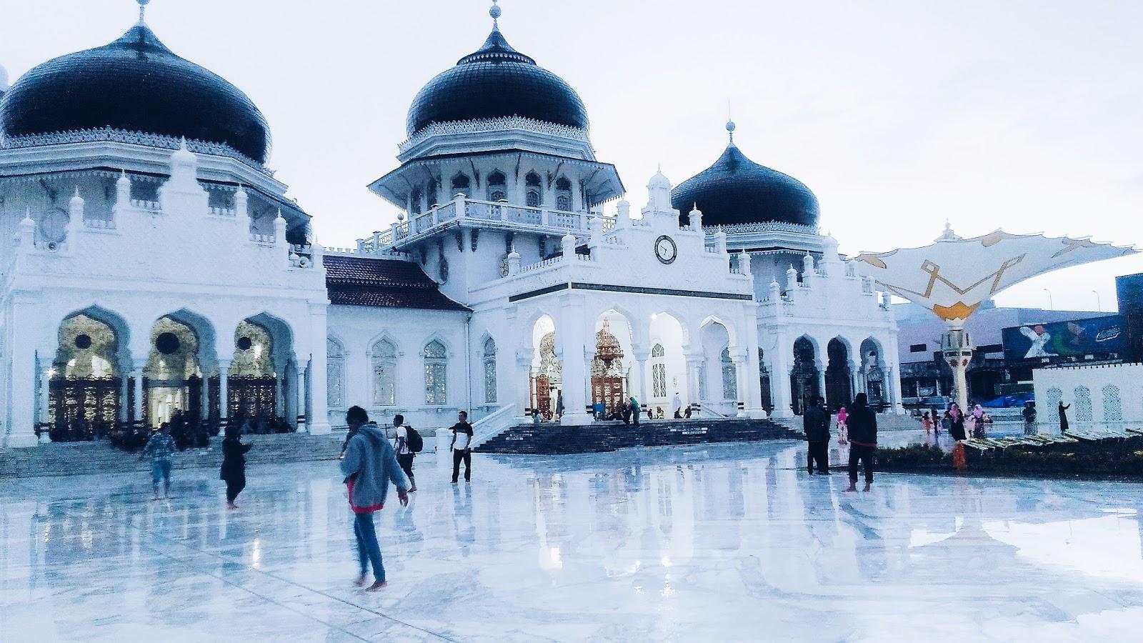 Keindahan Masjid Raya Baiturrahman Aceh Peta Lokasi + Foto 5