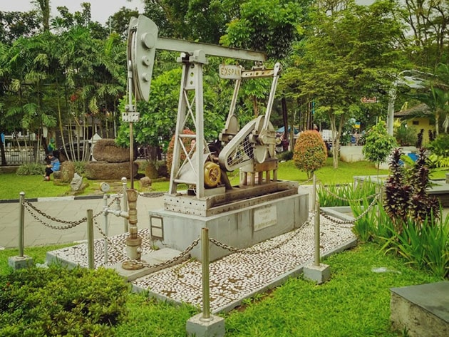 Museum Geologi Bandung Pompa