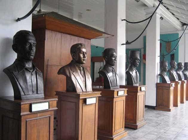 Museum Sumpah Pemuda Patung