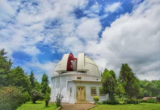 Observatorium Bosscha Apik