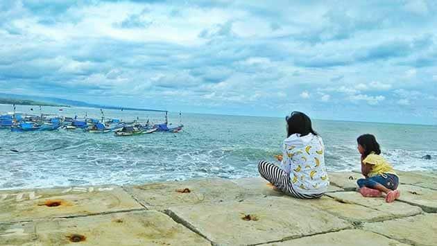 Pantai Jayanti Keluarga