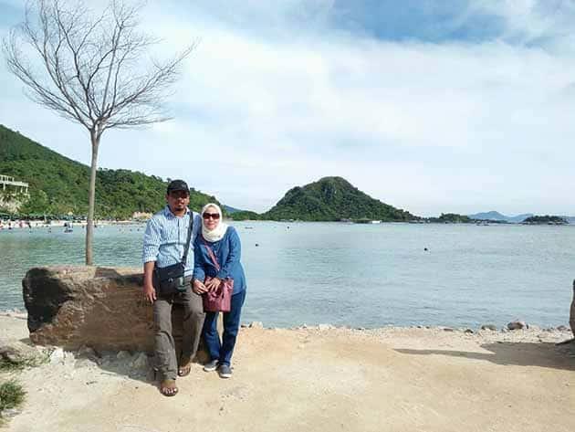 Pantai Mutun Pacaran