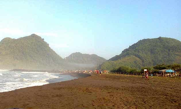 Pantai Suwuk Lebar