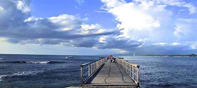 Pantai Tanjung Lesung Jembatan