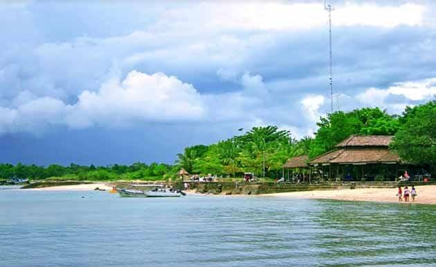 Pantai Tanjung Lesung Pinggir