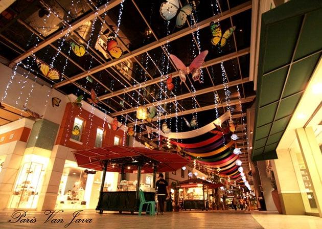 Paris Van Java Mall Bandung Malam