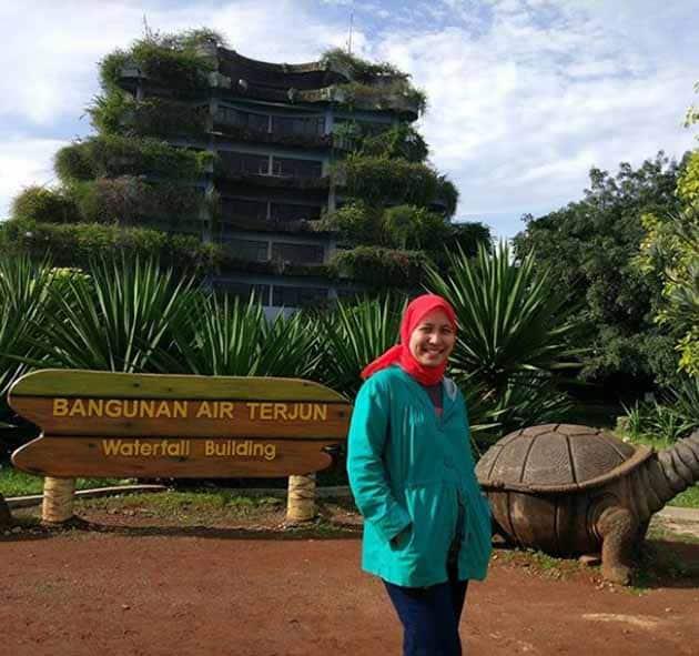 Taman Wisata Mekarsari Bogor Bangunan Air Terjun