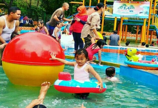 Harga Tiket Masuk Taman Wisata Matahari Waterpark dan Penginapan Terdekat 3