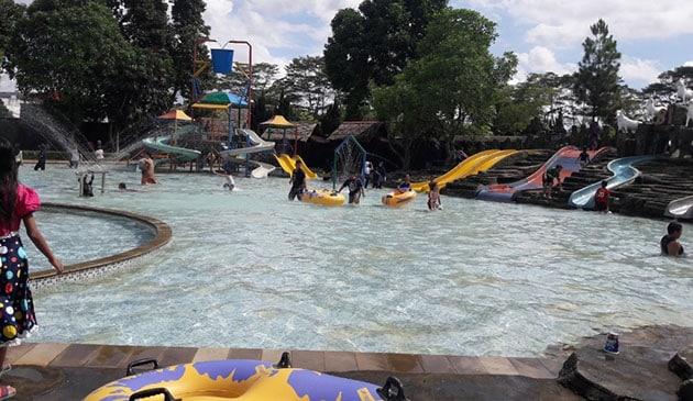 Teejay Waterpark Seluncur