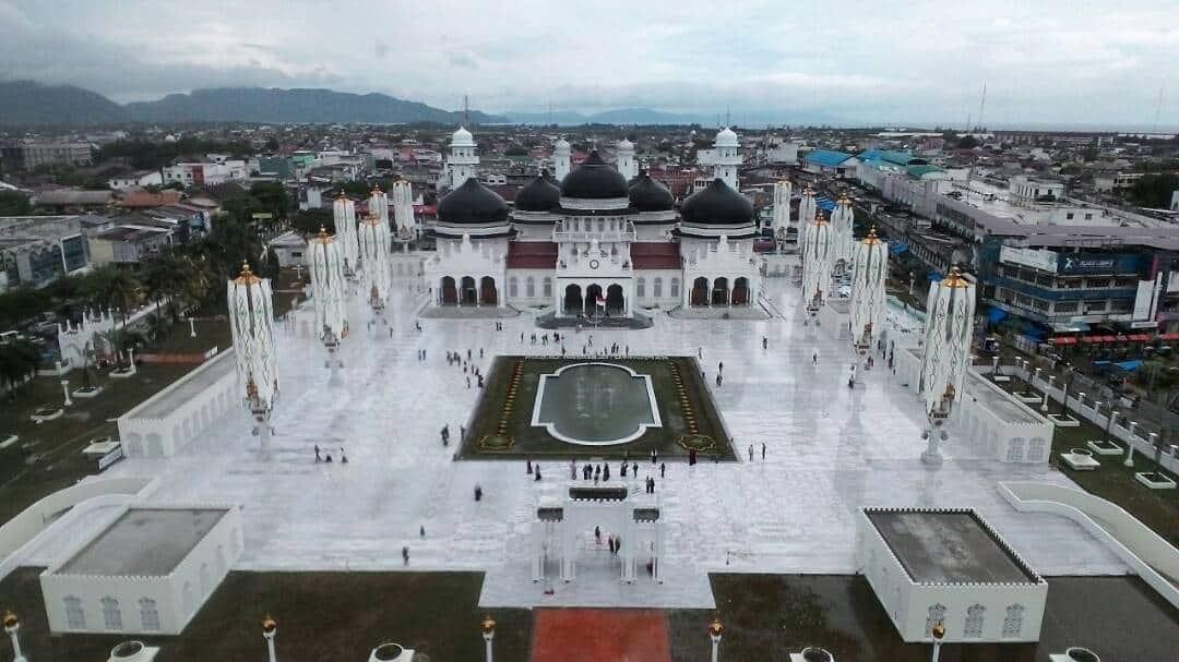 keindahan masjid baiturrahman aceh