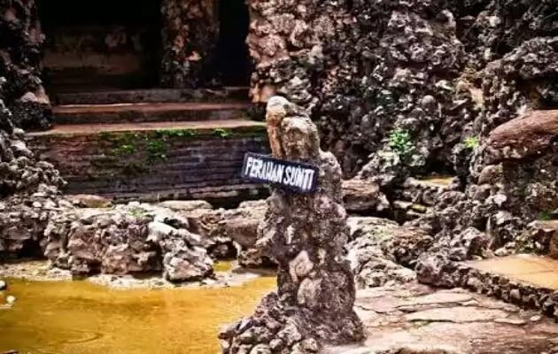 Sejarah dan Misteri Wisata Gua Sunyaragi Cirebon, Harga Tiket Masuk + Peta Lokasi 10