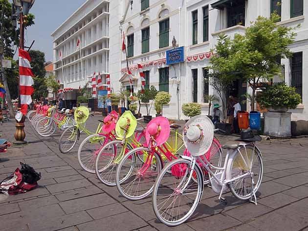 museum wayang jakarta sepeda