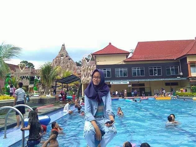 slanik waterpark kolam renang