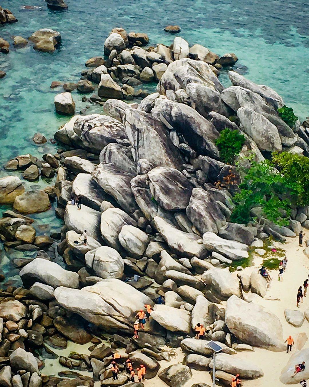 Batu Pulau Lengkuas Belitong