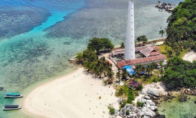 Menikmati Pemandangan Pulau Lengkuas Dari Atas Mercusuar 2