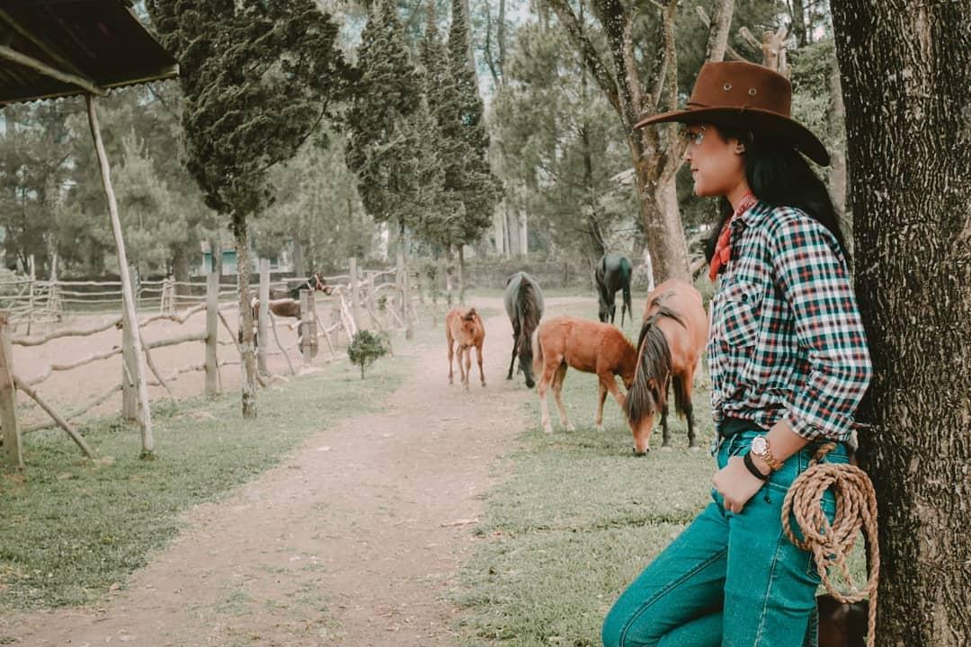 De'Ranch Lembang Taman Bermain Bertema Peternakan Ala Cowboy 2