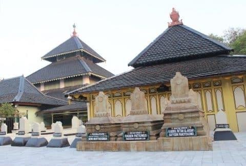 8 Foto Masjid Agung Demak Tempat Wisata Religi Populer Jawa Tengah 7