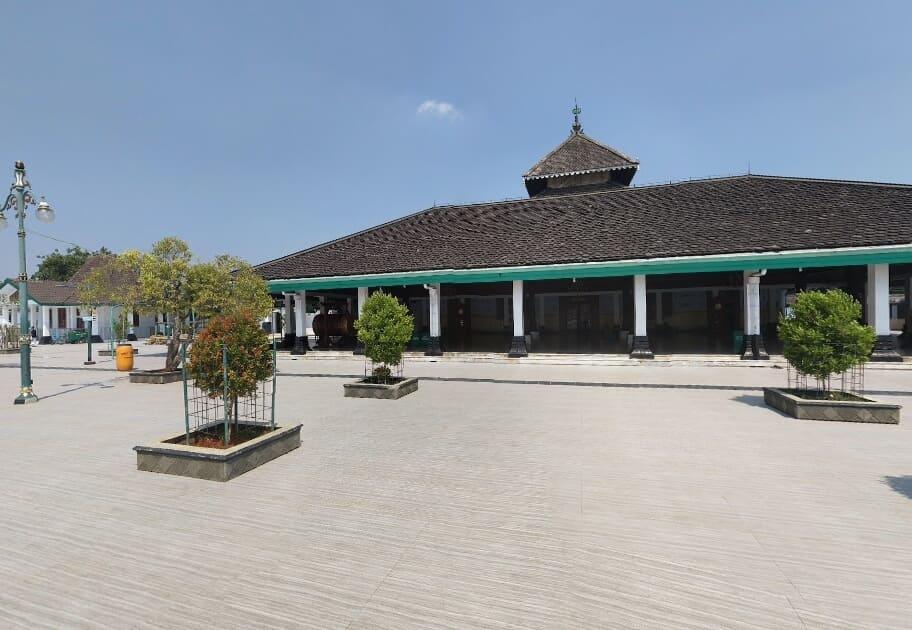 8 Foto Masjid Agung Demak Tempat Wisata Religi Populer Jawa Tengah 9