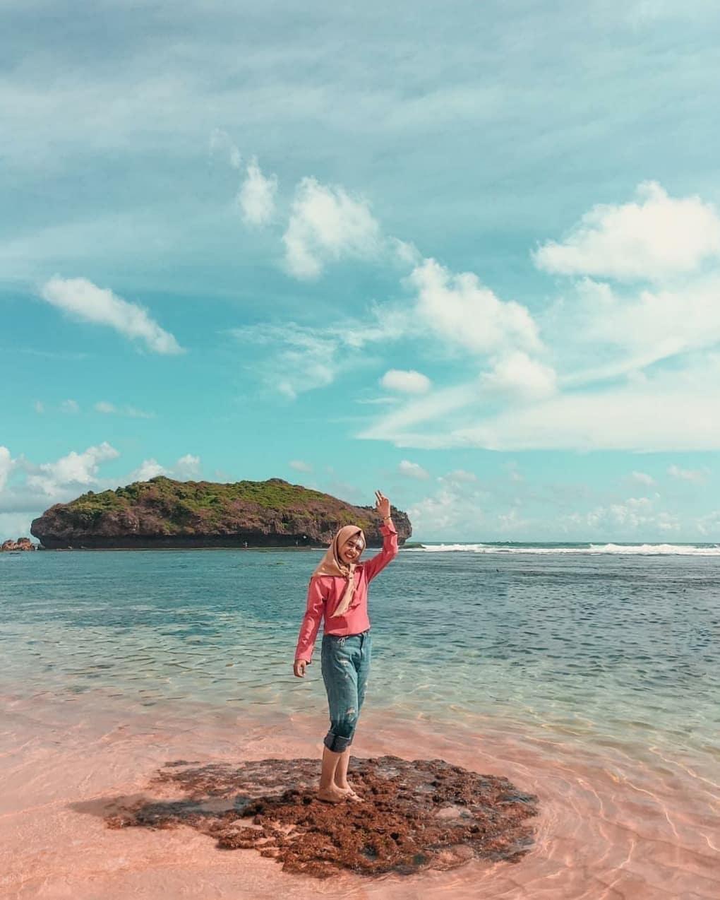 Pantai Sadranan Gunung Kidul Wisata Populer di Jogja 1