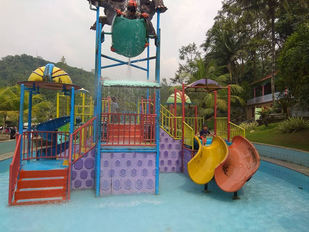 Dream Land Waterpark AJibarang 3