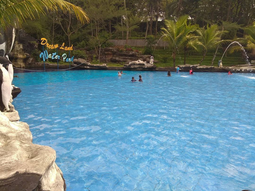 Dream Land Waterpark AJibarang 4