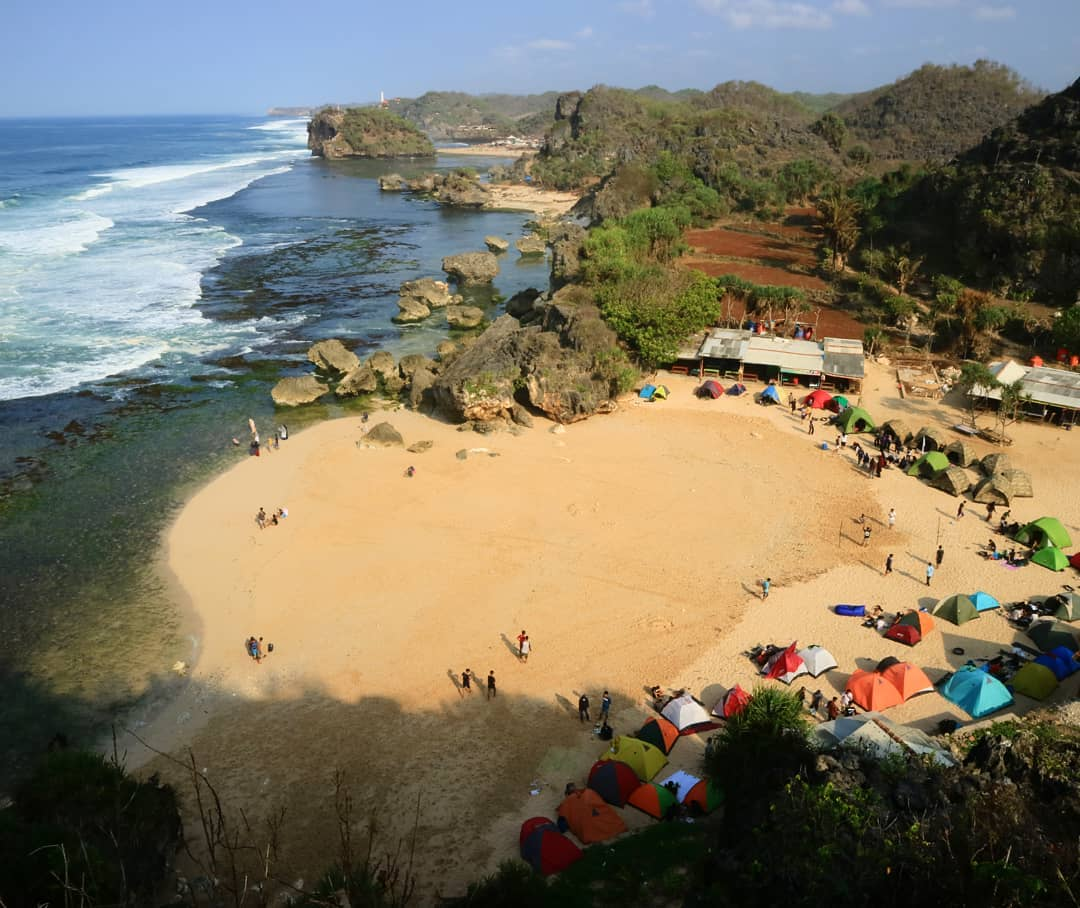 Pantai Ngrumput Yogyakarta 5