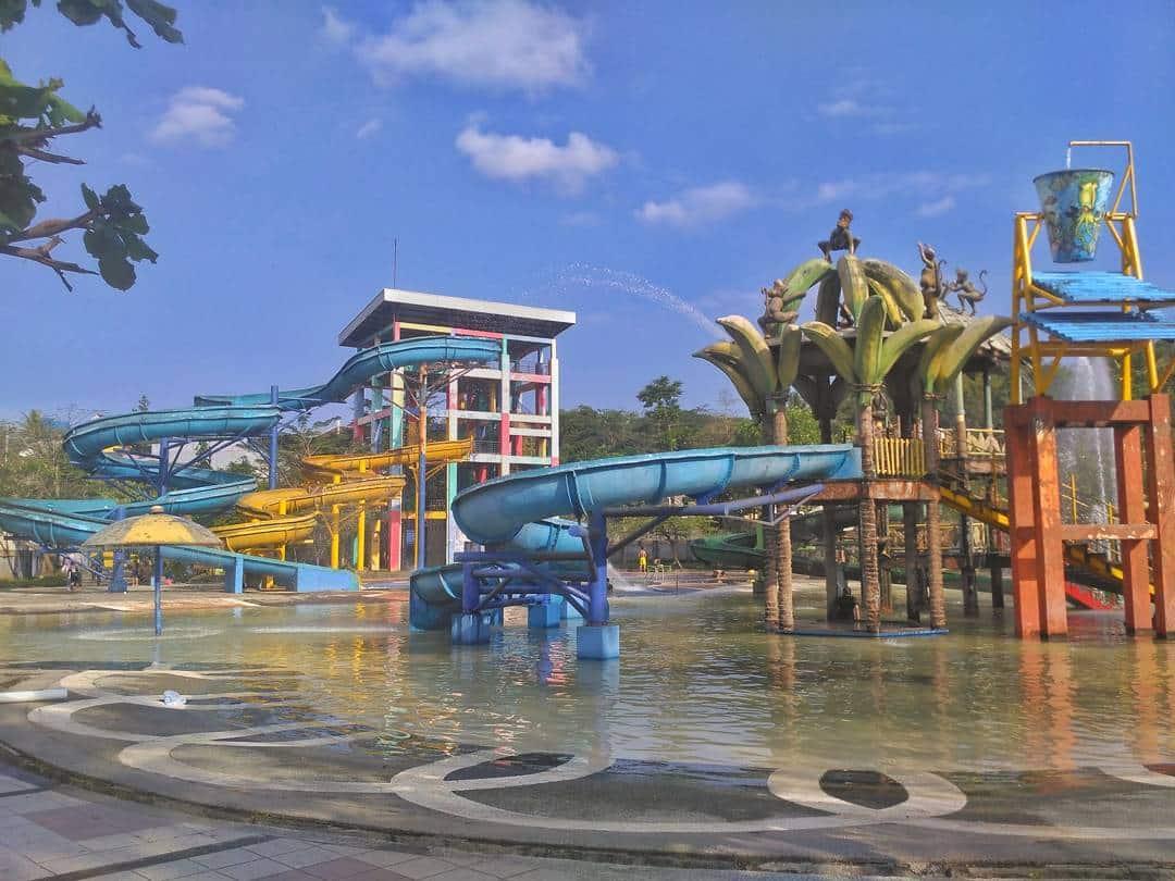 Wendit Waterpark Pakis Malang 2