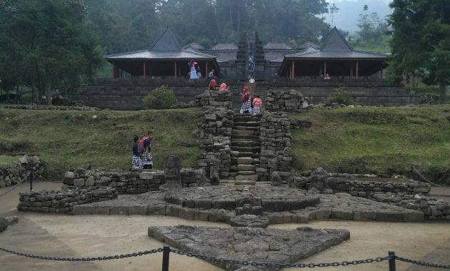 Candi Cetho, Pesona Lereng Gunung Lawu yang Cukup Menegangkan 4