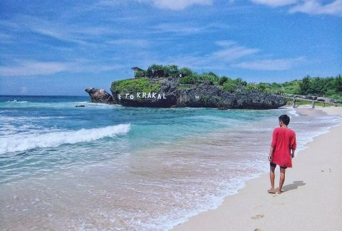 Pantai Krakal, Jalan Dipantai Terpingkal Pingkal 1