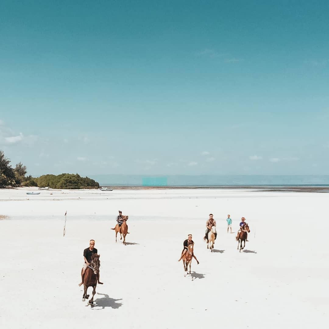 Wisata Sumba Pantai Walakiri