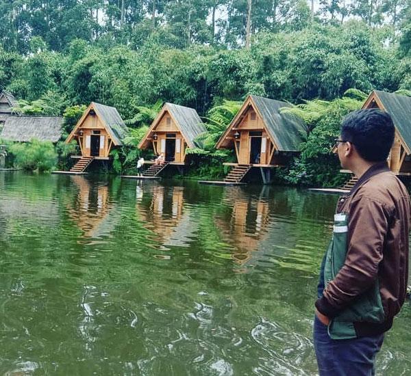 dusun-bambu-lembang-cafe-danau