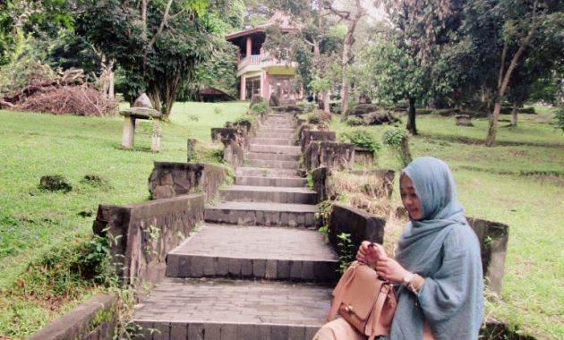 Melihat Situs Warisan Kerajaan Sriwijaya Di Bukit Siguntang 2