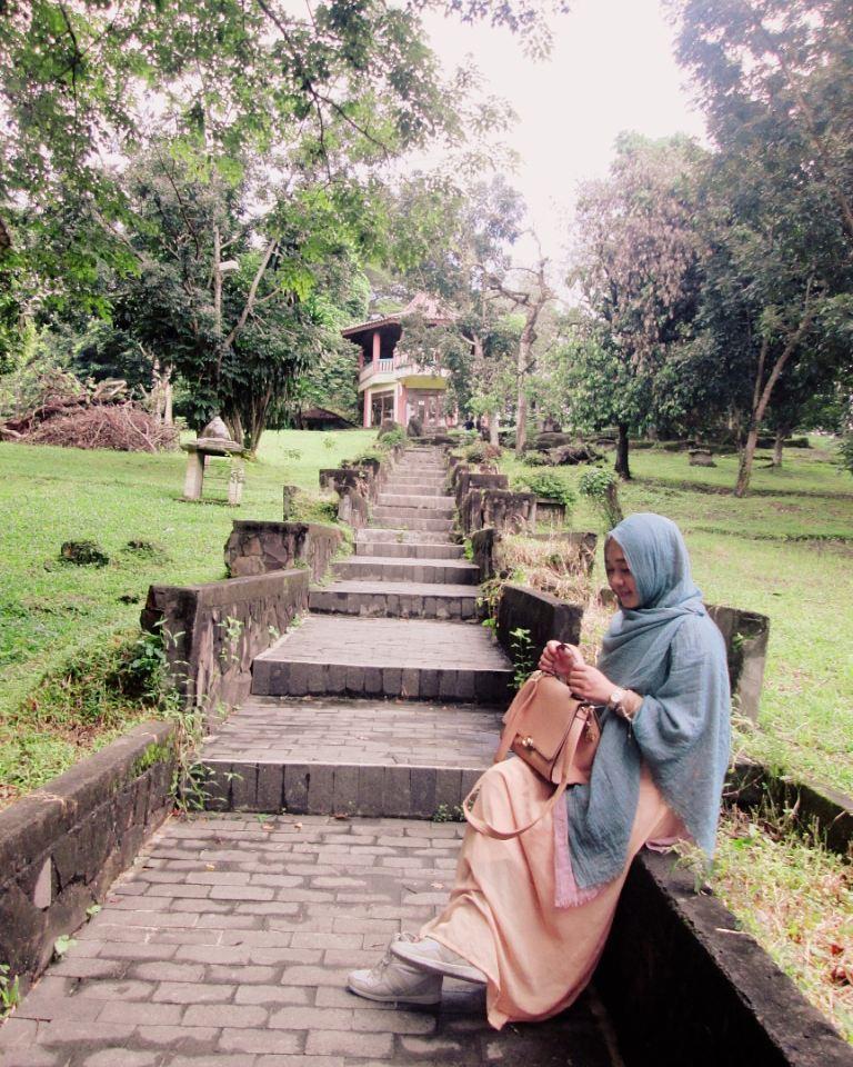 Melihat Situs Warisan Kerajaan Sriwijaya Di Bukit Siguntang 1
