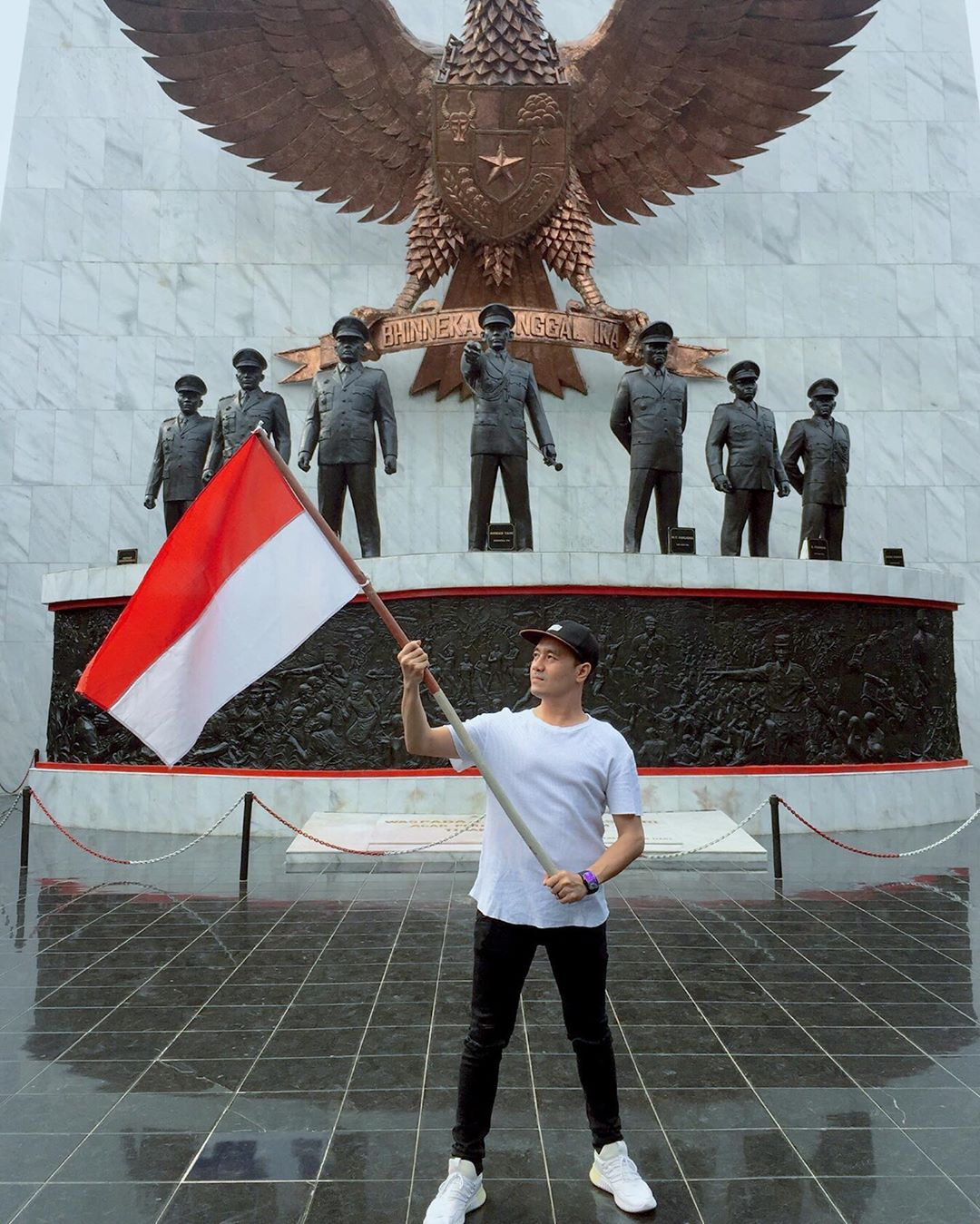 Monumen Garuda