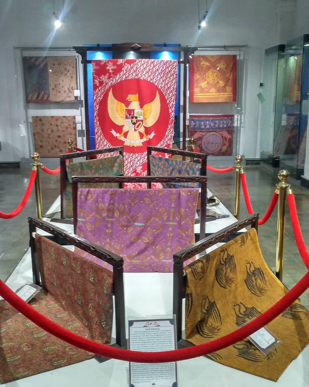 Koleksi Barang di Monumen Pancasila Sakti