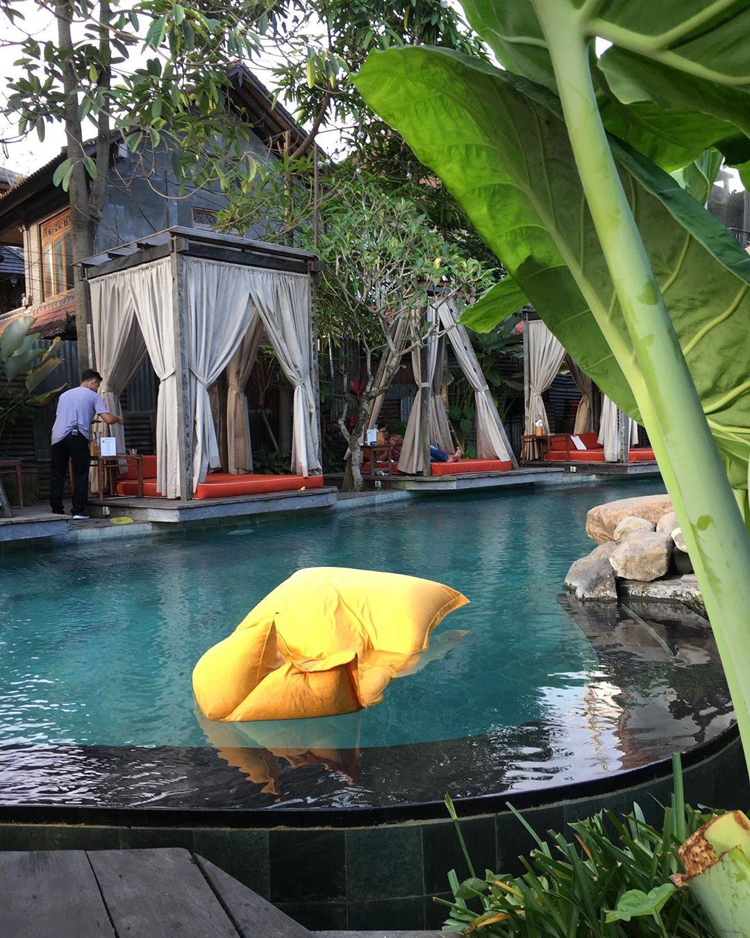 kolam-renang-di-bali-folk-ubud-and-garden