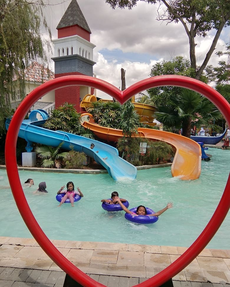 venetian-water-carnaval-bekasi